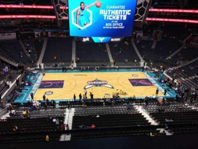 Spectrum Center, vak: 209, rij: A, stoel: 9