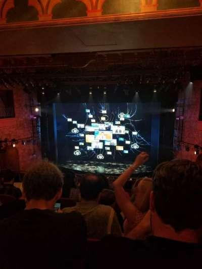 August Wilson Theatre, vak: Mezzc, rij: K, stoel: 101