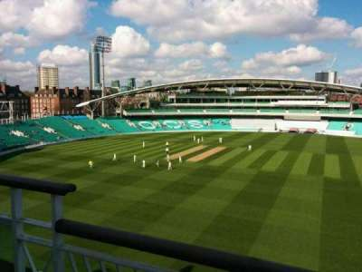 Kia Oval, vak: Pavilion Top, rij: b, stoel: 28