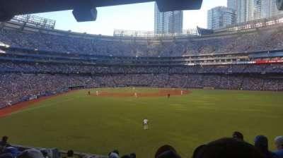 Rogers Centre, vak: 105L, rij: 9, stoel: 101