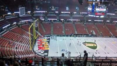 Honda Center, vak: 436, rij: N, stoel: 8