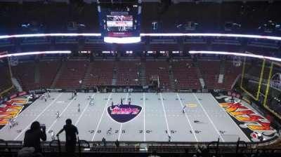 Honda Center, vak: 433, rij: M, stoel: 8