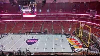 Honda Center, vak: 432, rij: M, stoel: 8