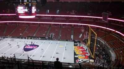 Honda Center, vak: 431, rij: M, stoel: 8