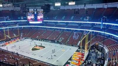 Honda Center, vak: 429, rij: M, stoel: 8