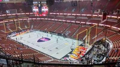Honda Center, vak: 428, rij: M, stoel: 8