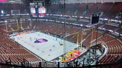 Honda Center, vak: 427, rij: M, stoel: 8