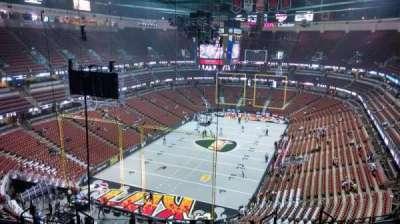 Honda Center, vak: 421, rij: M, stoel: 8