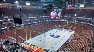 Honda Center, vak: 420, rij: M, stoel: 8