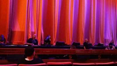 Radio City Music Hall, vak: Orchestra 5, rij: DD, stoel: 513