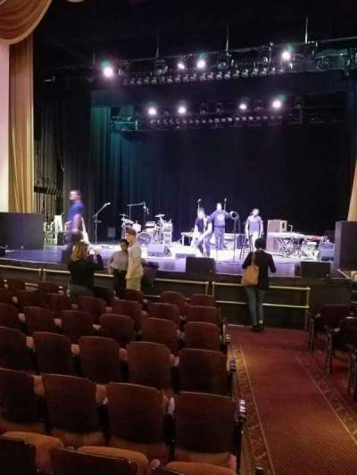 Lincoln Theatre, vak: orch, rij: j, stoel: 101