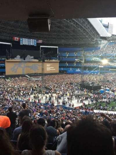 Rogers Centre, vak: 229R, rij: 12, stoel: 1