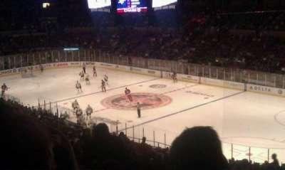 Madison Square Garden, vak: 328, rij: j, stoel: 5