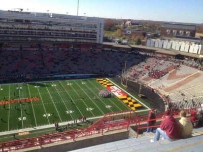 Maryland Stadium, vak: 306, rij: R, stoel: 12