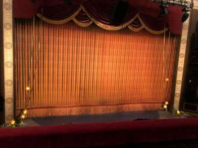 Imperial Theatre, vak: FrontMezz3, rij: B, stoel: 8