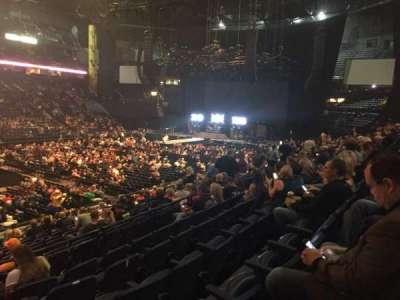 Bridgestone Arena, vak: 104, rij: F, stoel: 22