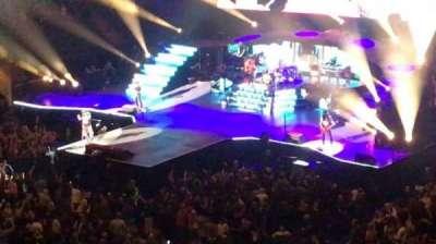 Madison Square Garden, vak: 208, rij: 13, stoel: 8