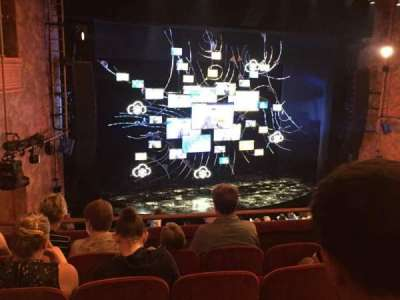 August Wilson Theatre, vak: Mezzanine Left, rij: E, stoel: 13