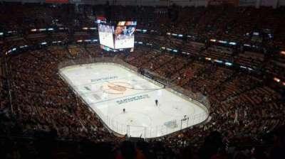 Honda Center, vak: 426, rij: R, stoel: 8