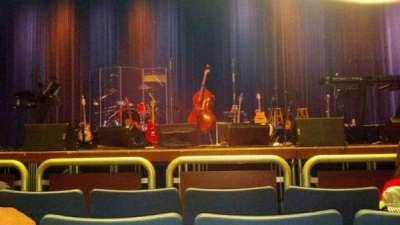 Investors Bank Performing Arts Center, vak: center, rij: D, stoel: 7