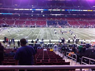 The Dome at America's Center, vak: 142, rij: U, stoel: 2