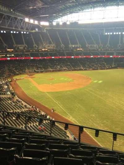 Chase Field, vak: 301, rij: 6, stoel: 7