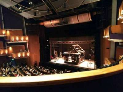 Ahmanson Theatre, vak: Mezzanine, rij: B, stoel: 3