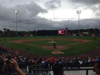 Ed Smith Stadium, vak: 213, rij: 9, stoel: 16