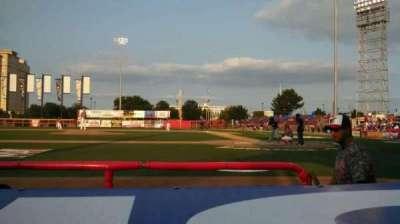 Lawrence-Dumont Stadium, vak: 106, rij: CC, stoel: 7