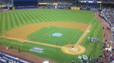 Yankee Stadium, vak: 321, rij: 1, stoel: 11