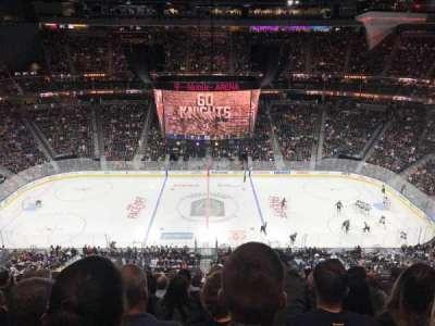 T-Mobile Arena, vak: 205, rij: M, stoel: 10