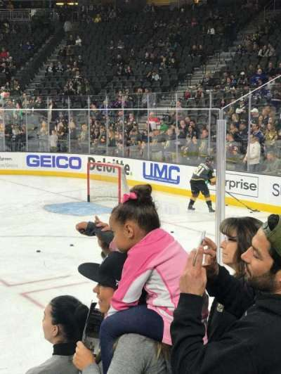 T-Mobile Arena, vak: 17, rij: DD, stoel: 6