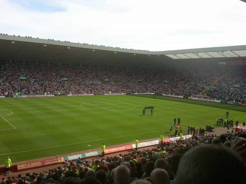 Stadium of light, vak: U22, rij: 30, stoel: 332