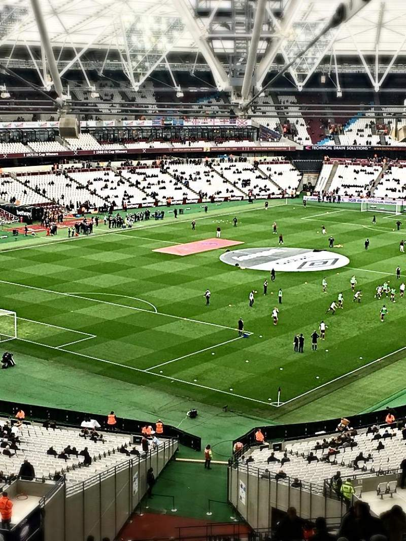London Stadium, vak: 228, rij: 66