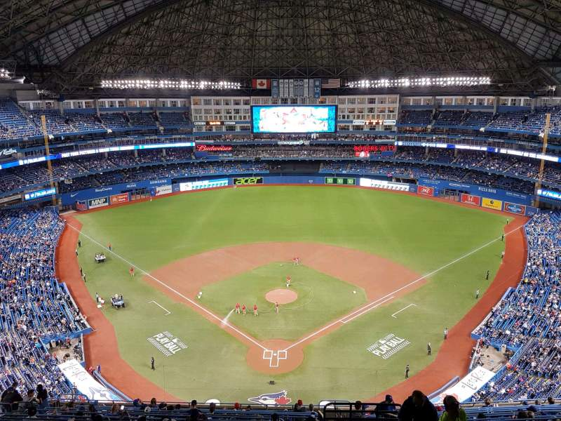 Rogers Centre, vak: 524al, rij: 18, stoel: 101