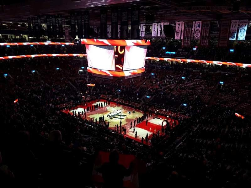 Scotiabank Arena, vak: 319, rij: 12, stoel: 1