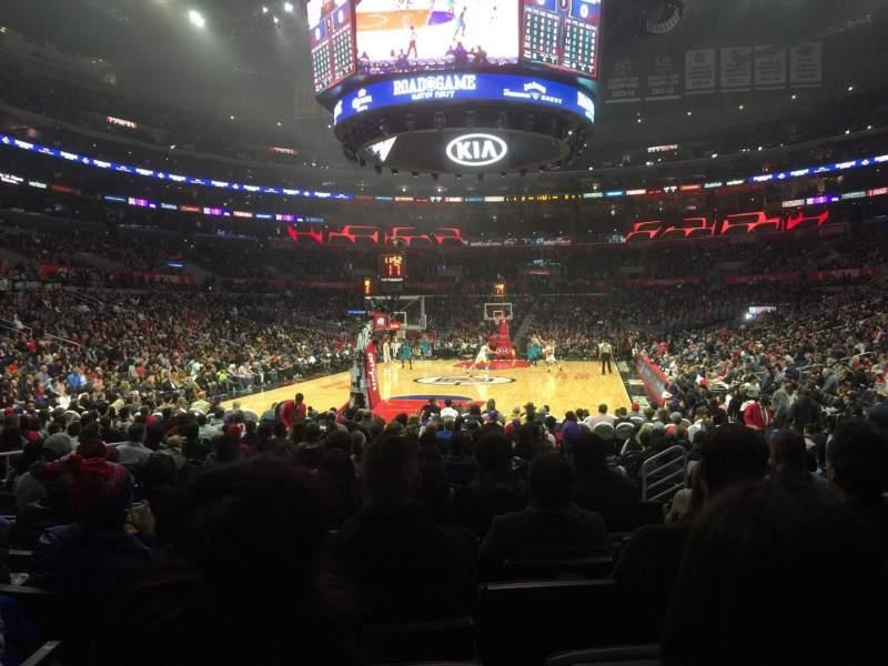 Staples Center, vak: 106, rij: 9, stoel: 11