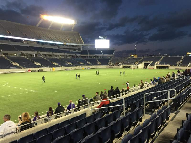 Camping World Stadium, vak: 113, rij: K, stoel: 12