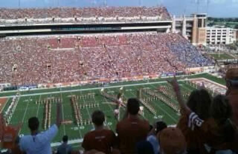 Uitzicht voor Texas Memorial Stadium Vak 106 Rij 13 Stoel 30