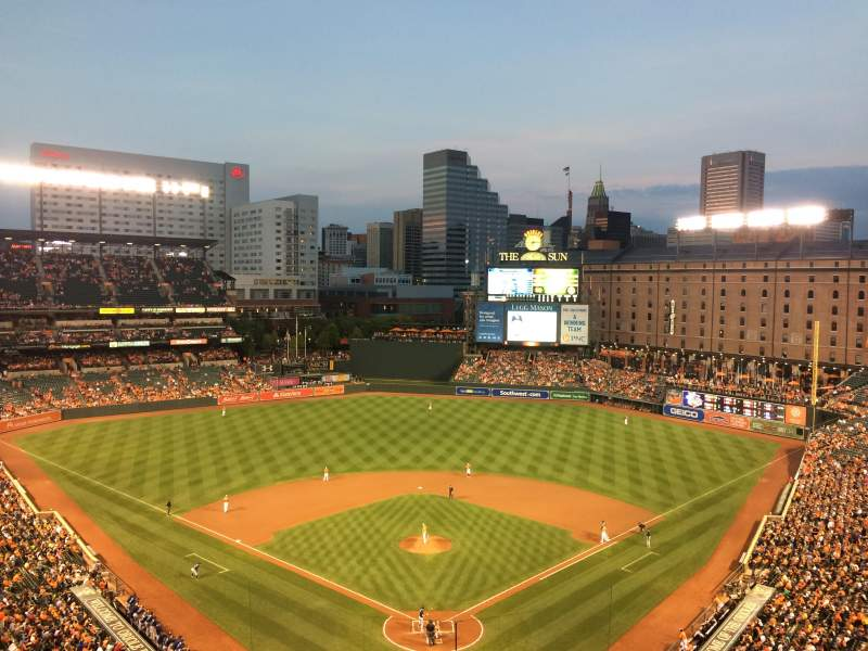 Oriole Park at Camden Yards, vak: 336, rij: 13