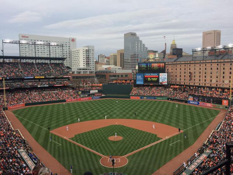 Oriole Park at Camden Yards, vak: 336, rij: 10