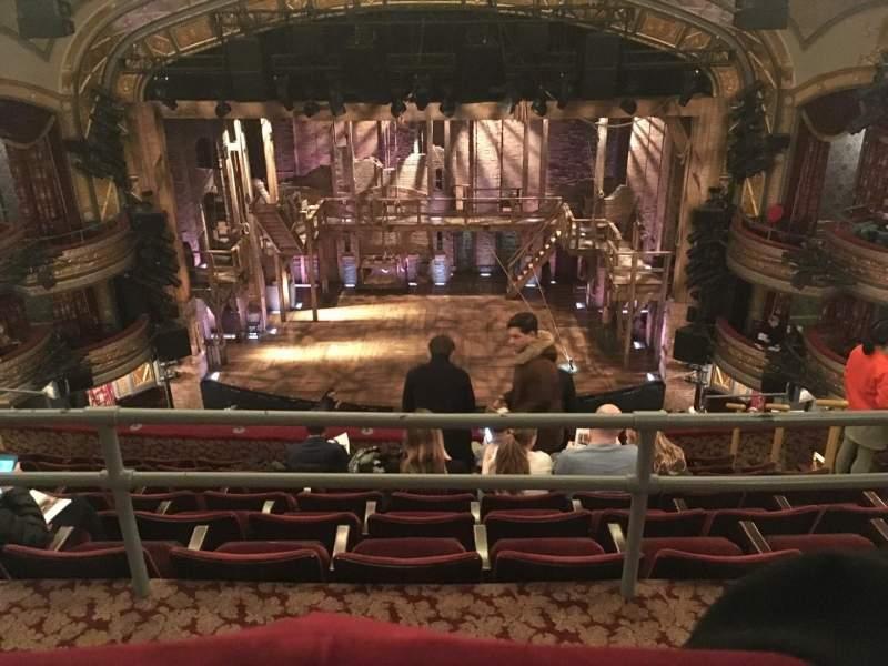 Uitzicht voor Richard Rodgers Theatre Vak Rear Mezzanine Rij A Stoel 105/106