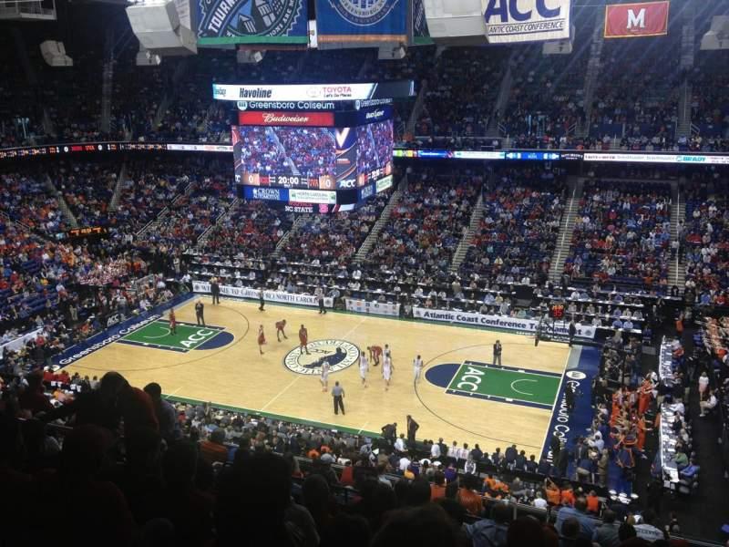 Uitzicht voor Greensboro Coliseum Vak 213 Rij N Stoel 11