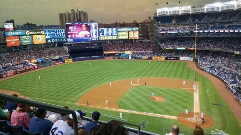 Yankee Stadium, vak: 322, rij: 6, stoel: 19