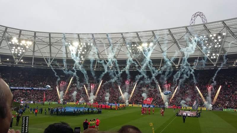 London Stadium, vak: 111, rij: 14, stoel: 225