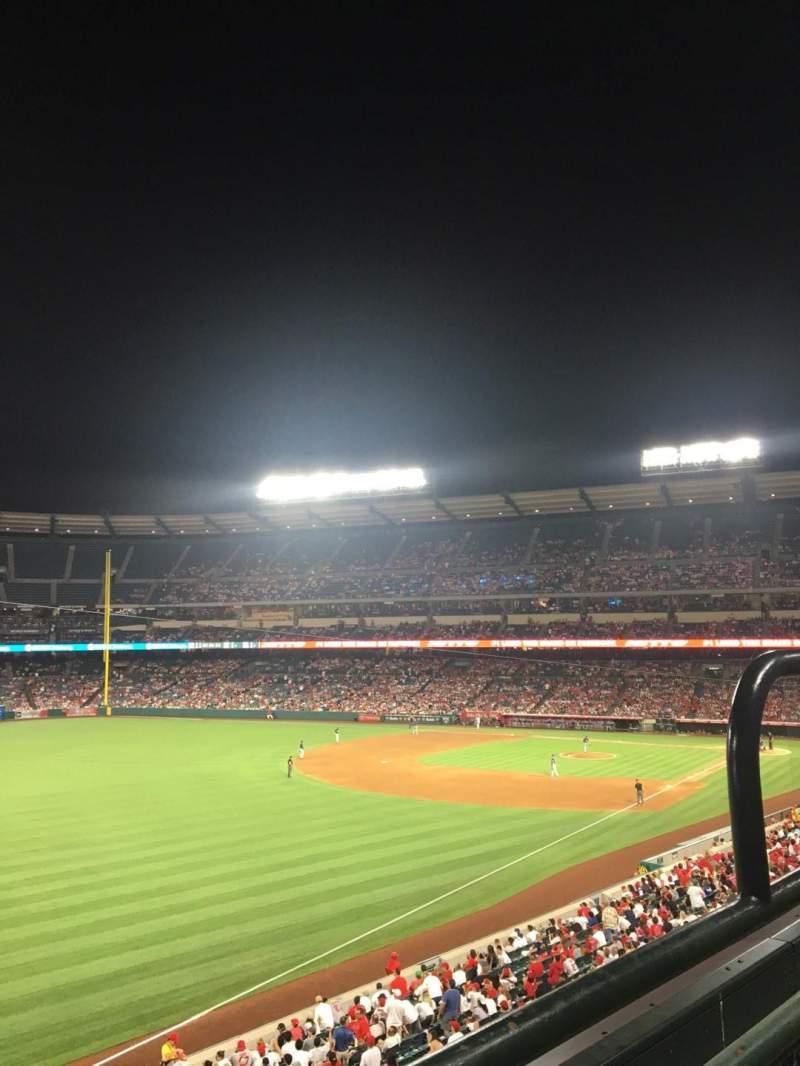 Angel Stadium, vak: C306, rij: 1, stoel: 13