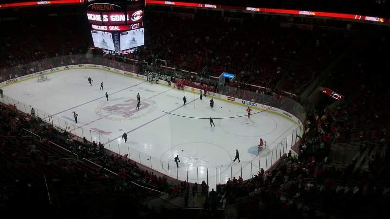 Uitzicht voor PNC Arena Vak 319 Rij H Stoel 10