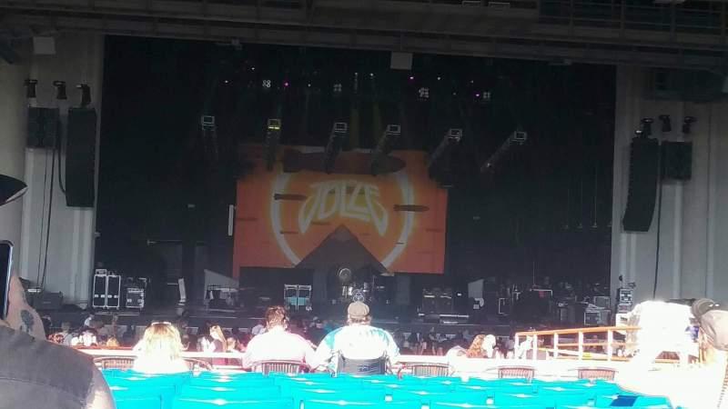 PNC Music Pavilion, vak: 7, rij: T, stoel: 11