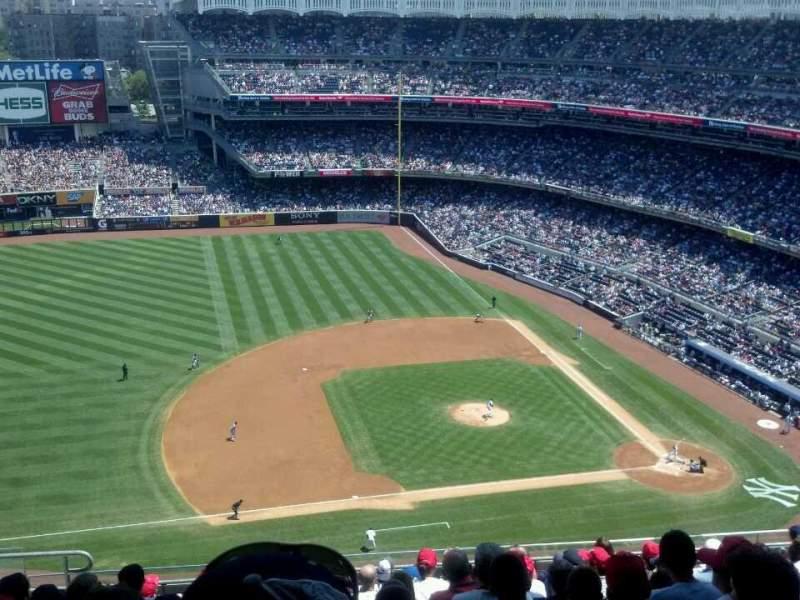 Uitzicht voor Yankee Stadium Vak 425 Rij 11 Stoel 18