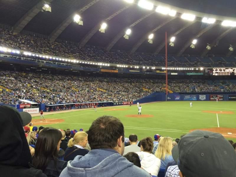 Uitzicht voor Olympic Stadium, Montreal Vak 111 Rij PP Stoel 7
